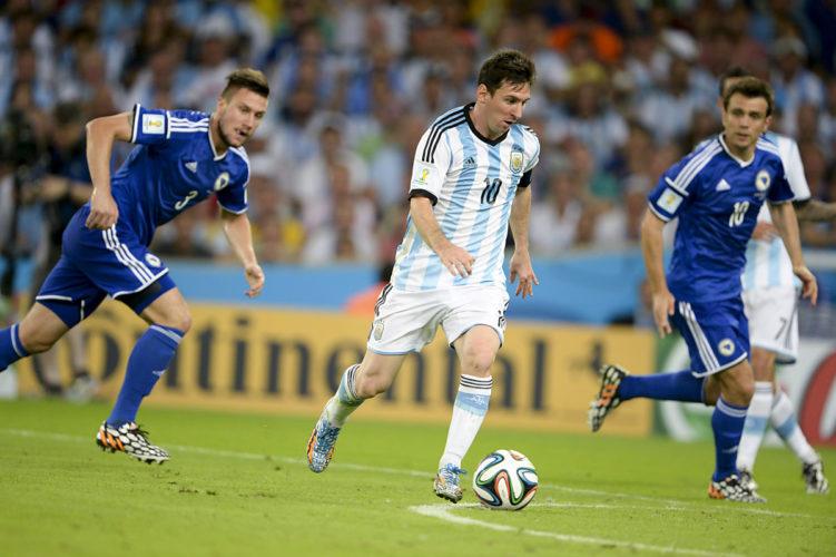 Lionel Messi im Trikot von Argentinien bei der WM 2014 in Brasilien (CP DC Press / Shutterstock.com)