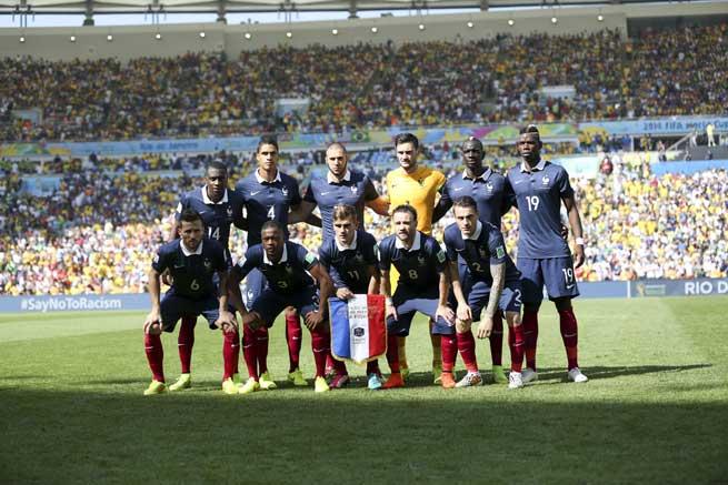 Das Team Frankreichs bei der WM 2014 in Brasilien, seitdem hat sich die Startelf nochmals verjüngt, dabei jedoch nichts an Talent eingebüßt. Ein heißer Kandidat auf den WM-Pokal 2018. Photo: Shutterstock.