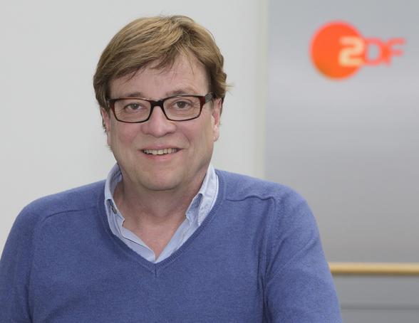 Béla Réthy moderiert die WM-Auslosung 2018 (ZDF und Rico Rossival)