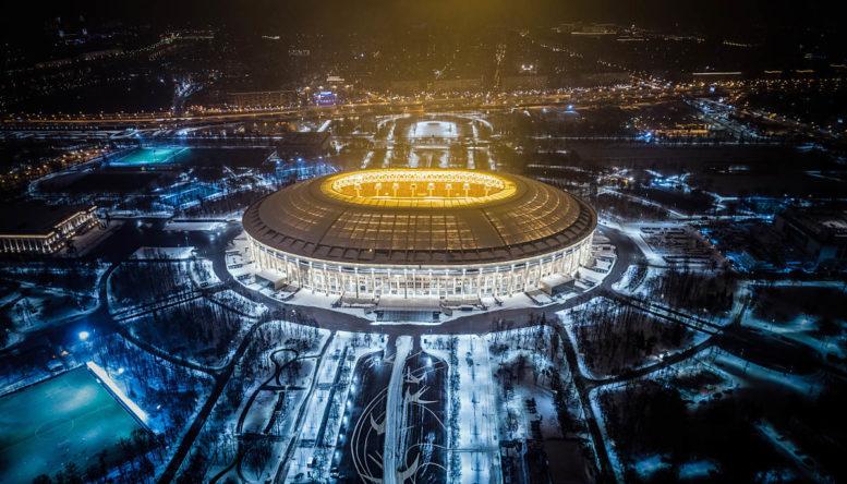 Hier wird das WM-Eröffnungsspiel 2018 stattfinden: Im Luzhniki Stadium von Moskau. Das Luftbild zeigt das Stadion am 24.Januar 2018. / AFP PHOTO / DMITRY SEREBRYAKOV