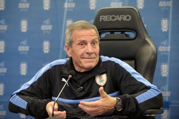 Oscar Washington Tabarez. Der 70-jährige Trainer Uruguays ist der älteste Coach der WM. Copyright: AFP.