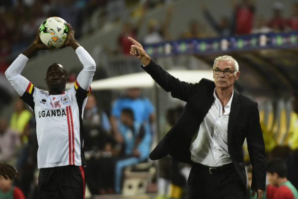 Ägyptens argentinischer Trainer Hector Cuper (R). Copyright: AFP.
