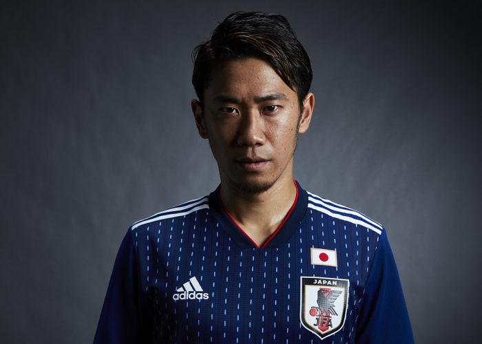 Japans neues WM Heimtrikot. Besonders auffällig sind die der Sashiko Stickerei nachempfundenen Nadelstreifen. Photo: Adidas Presse.