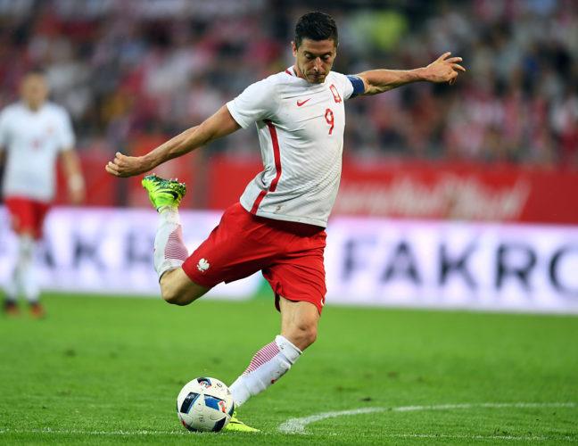 Robert Lewandowski, der polnische Goalgetter hat Polen zur Fußball WM 2018 geschossen! (Foto Shutterstock)