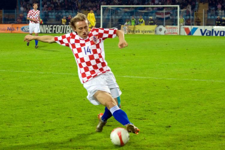 Luka Modric - einer der großen Stars aus Kroatien, das sich neben Island für die WM 2018 qualifizieren konnte (Foto shutterstock)
