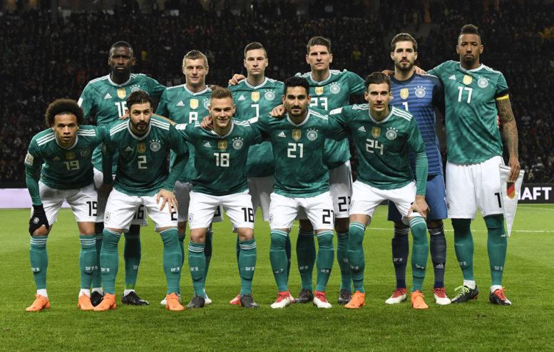 Deutschlands Startaufstellung gegen Brasilien am 27.März 2018 (Foto AFP)