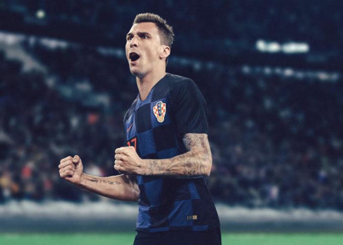 Mario Mandzukic in einer Fotomontage des neuen Kroatien Auswärtstrikots. Photo: Nike.