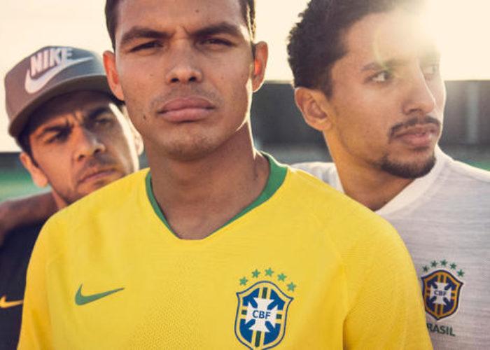 Das neue Brasilien WM 2018 Trikot beim Photoshooting. Photo: Nike Presse.