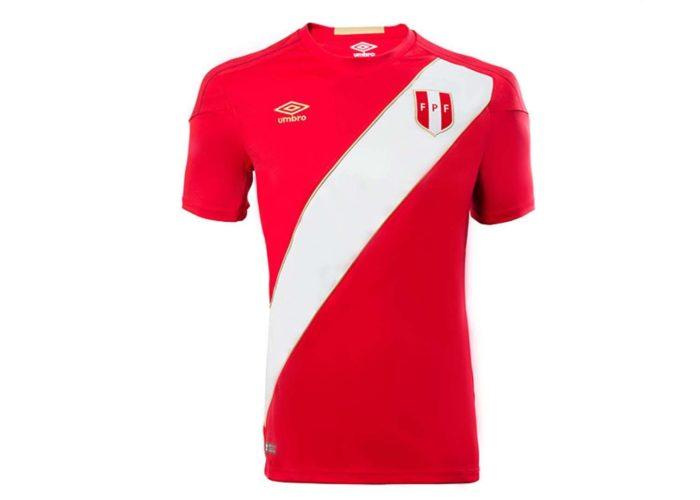 Das neue Peru Auswärtstrikot von Umbro für die WM 2018. Photo: Umbro Presse.
