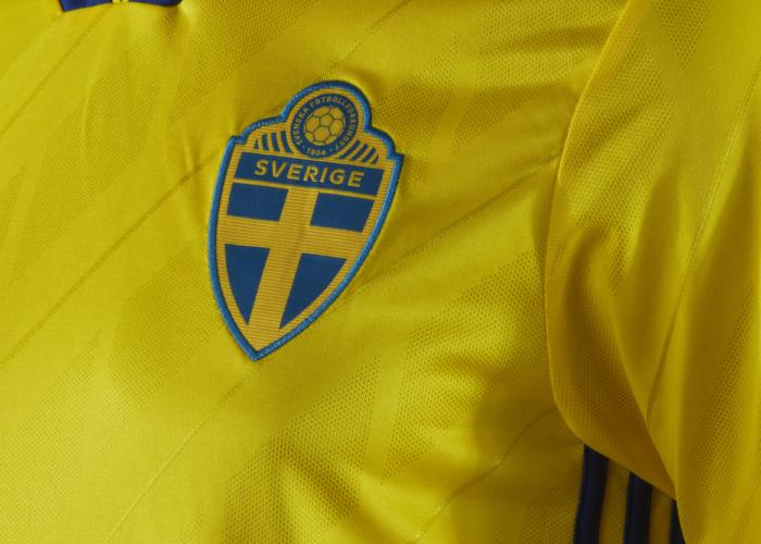 Schwedens Heimtrikot für die WM 2018 im Detail. Photo: Adidas Presse.
