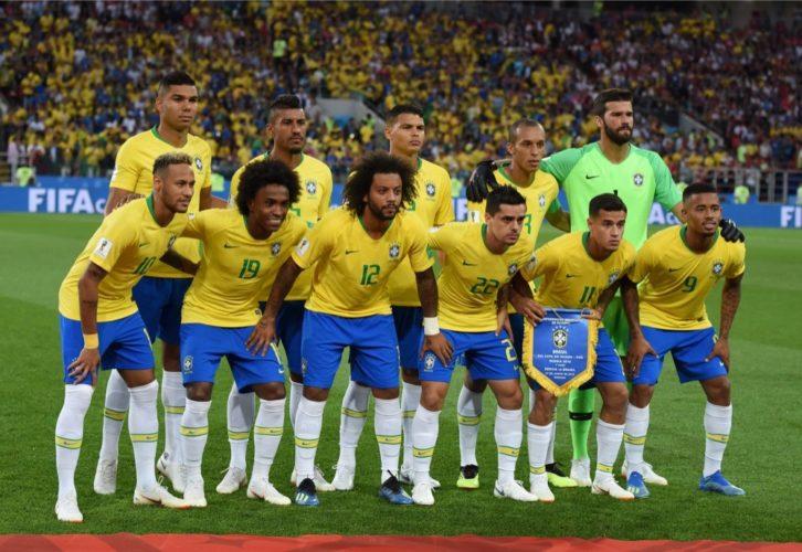 Brasilien bei der Fußball WM gegen Serbien in der WM-Vorrunde (Alizada Studios / Shutterstock.com)
