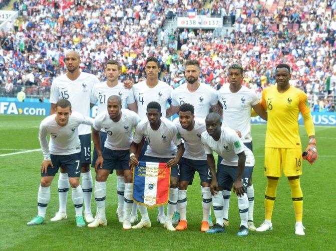 Die französische Startaufstellung gegen Dänemark im 3.Vorrundenspiel (A.RICARDO / Shutterstock.com)